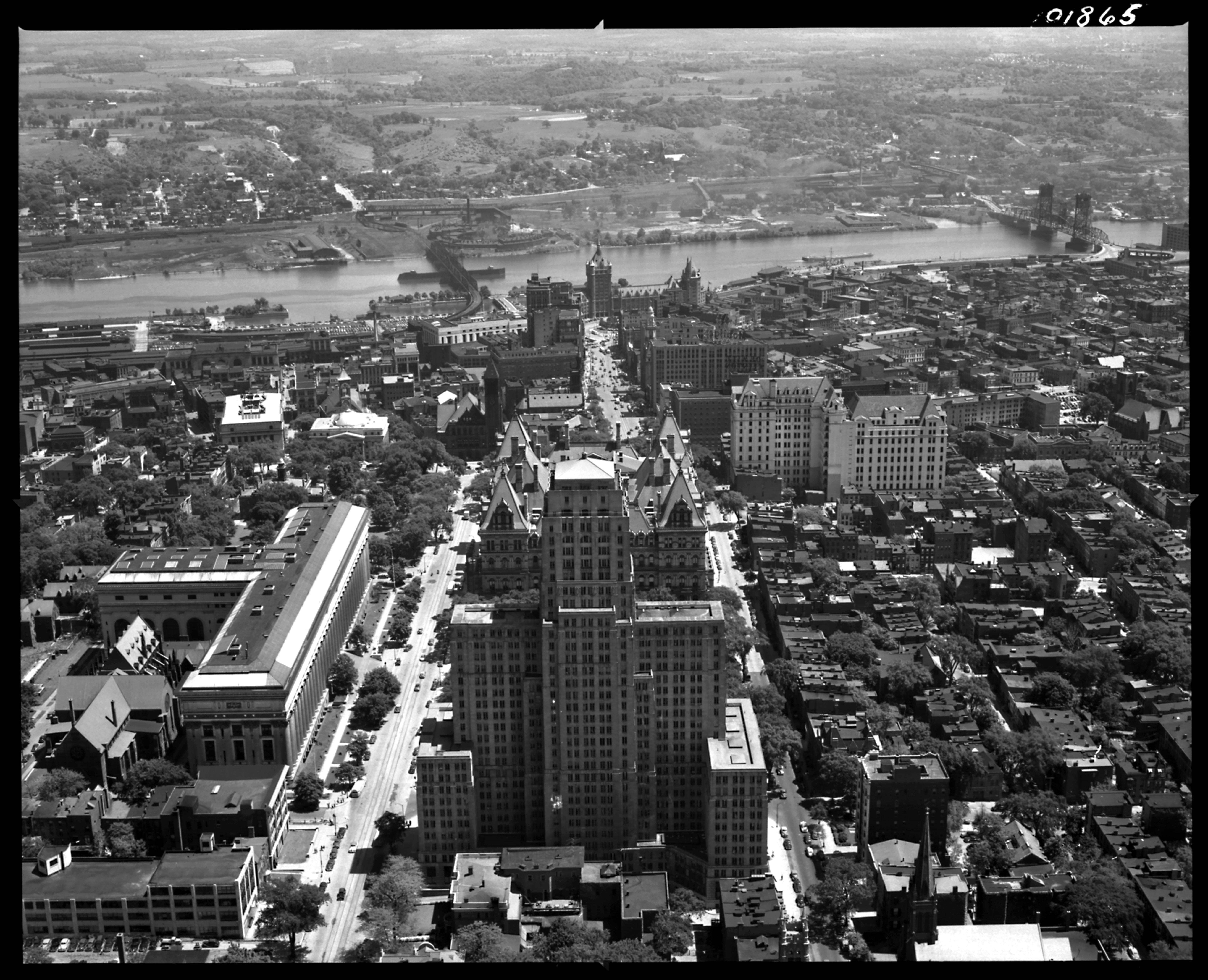 Familiar territory albany from the air 1948 hoxsie for Smith house construction