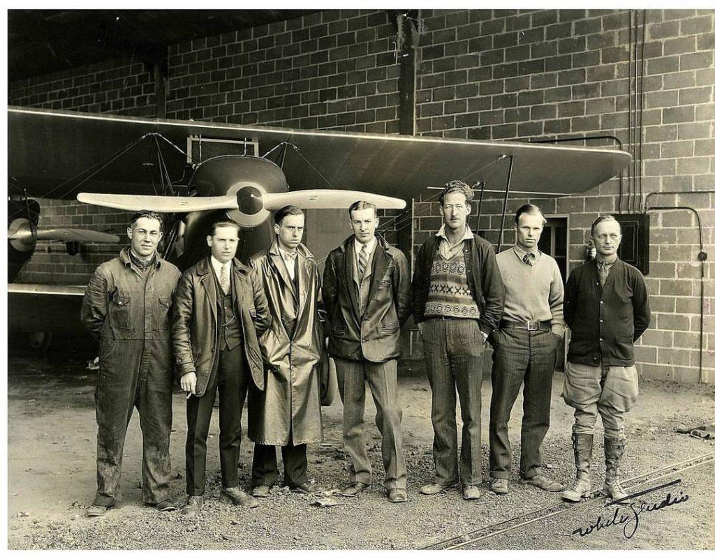 Victor Rickard in center