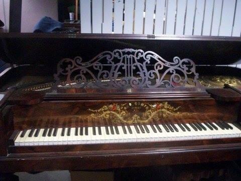 Gomph Piano